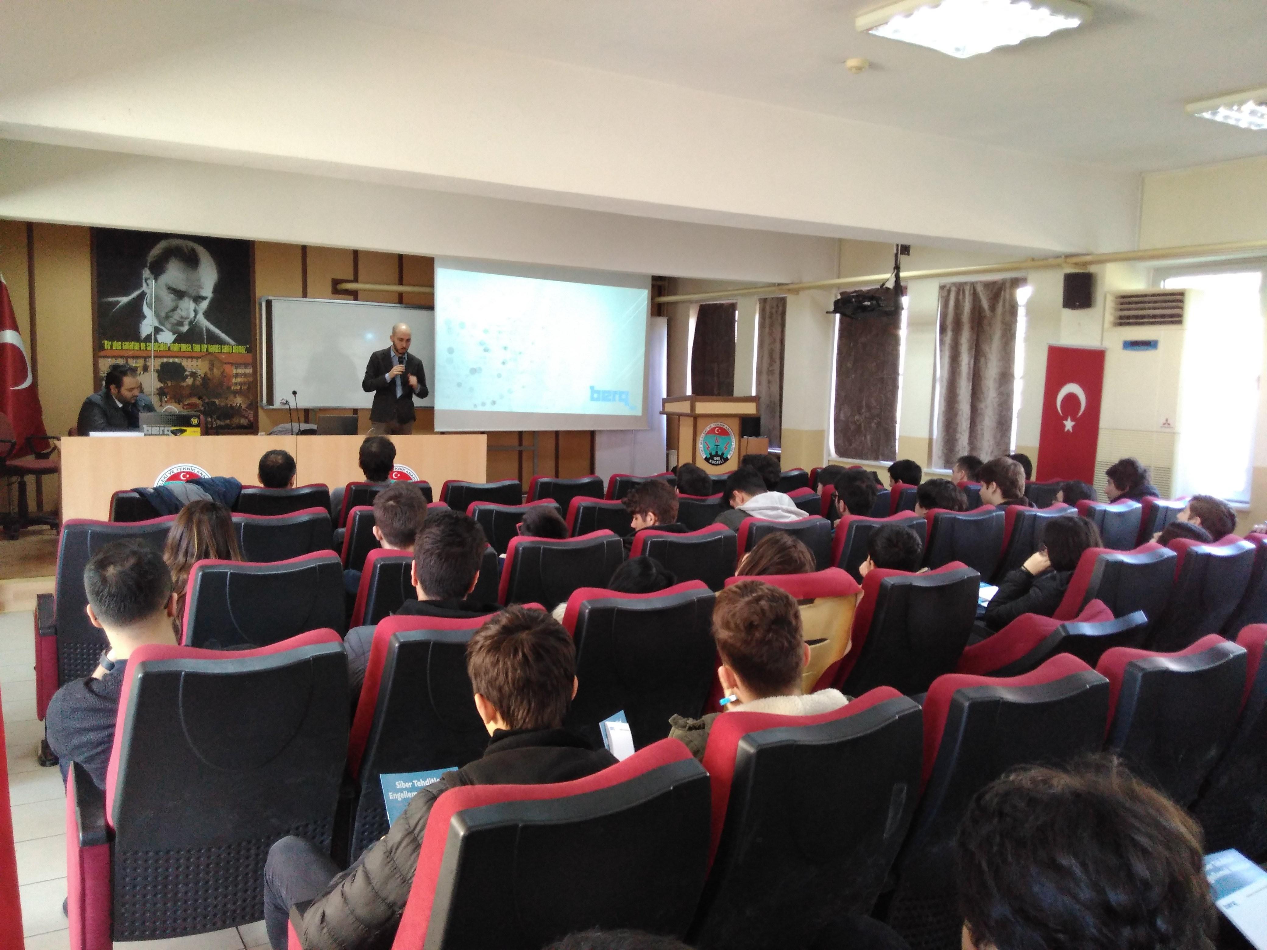 Berqnet'ten Eğitime Tam Destek: İzmit Mesleki ve Teknik Anadolu Lisesi Eğitimi